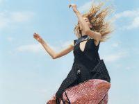 Zoë Ghertner and Grace Coddington imagine Louis Vuitton amongst the dunes