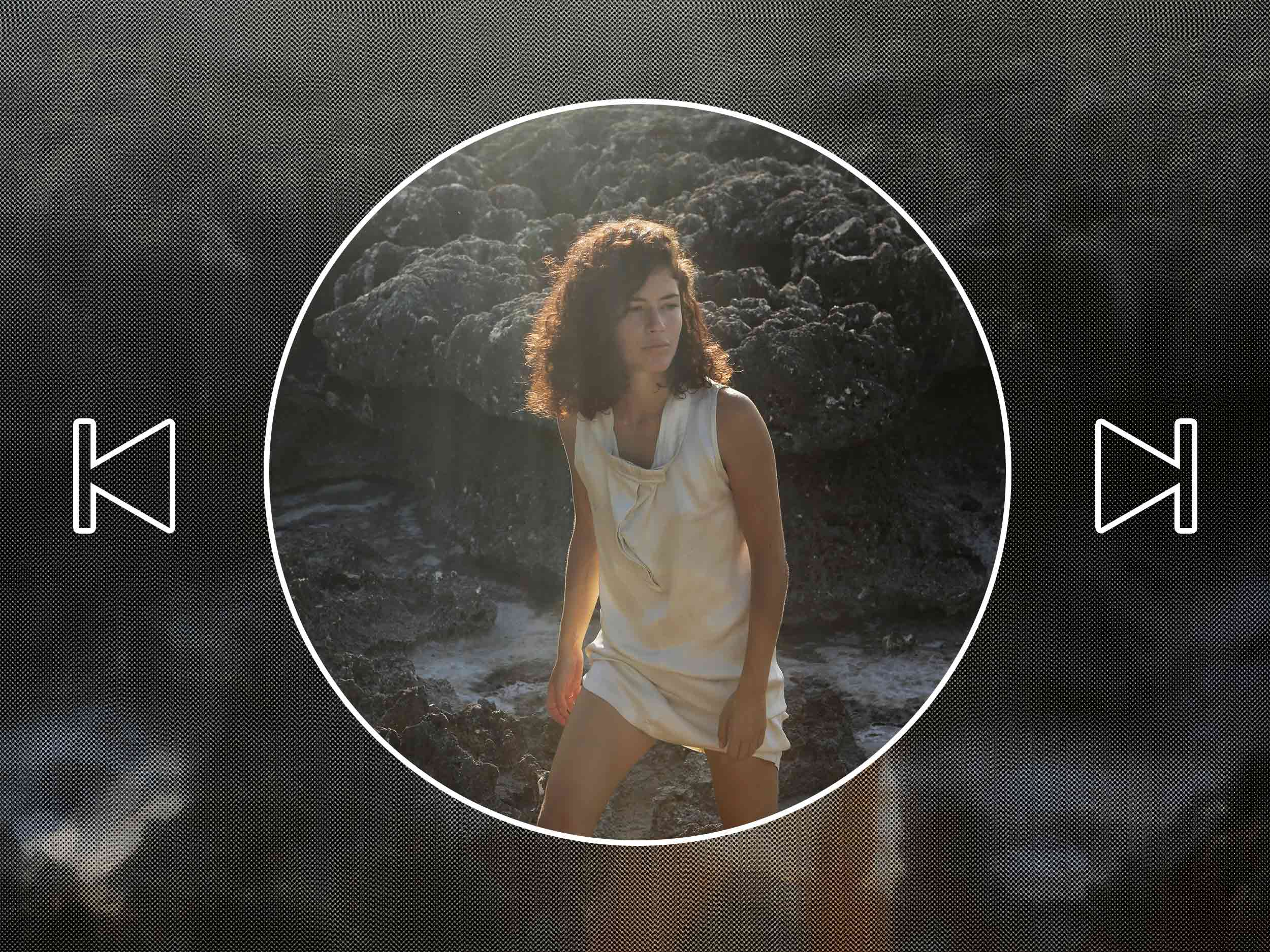 From digital to analog, producer Carlota's playlist explores the infinite grammar of the synth