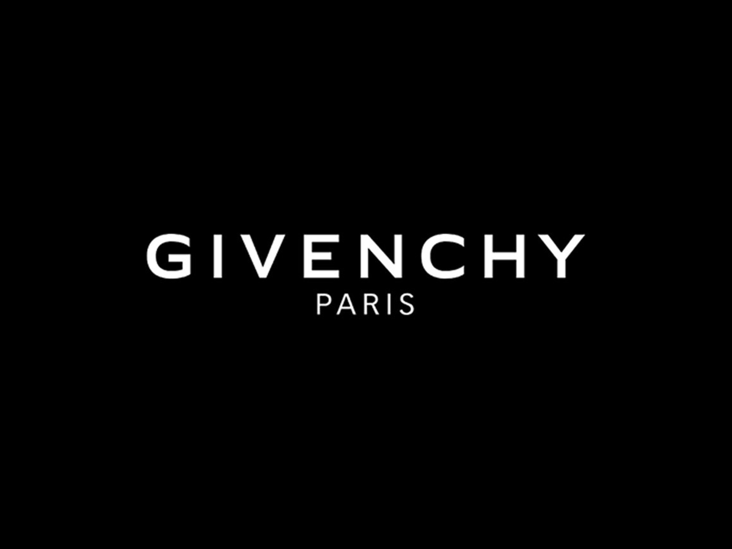 Livestream Givenchy's Women's and Men's Fall/Winter 2021 collection here